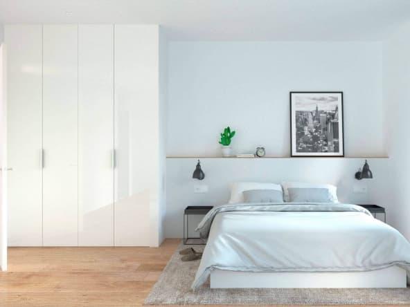 Gran dormitorio con baño y salida al exterior